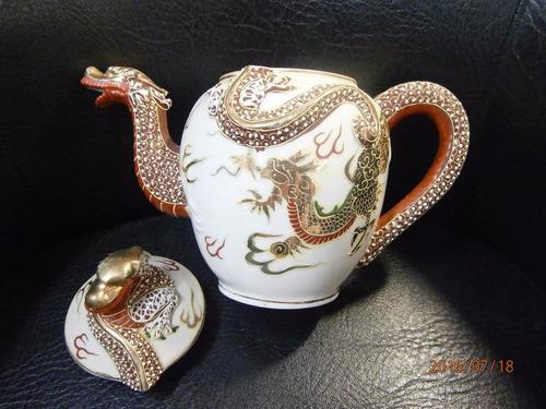 tetera porcelana japonesa antigua con dragon x 20cms