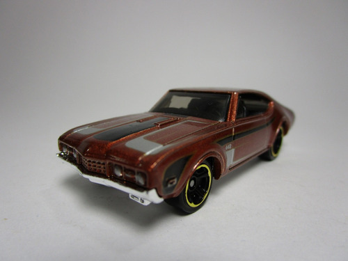 th regular olds escala 1/64 coleccion hot wheels 7cm largo