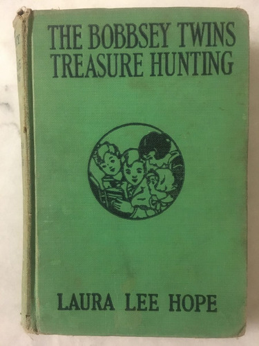 the bobbsey twins treasure hunt. laura lee hope