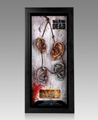 the walking dead collar de orejas oficial con firma de actor