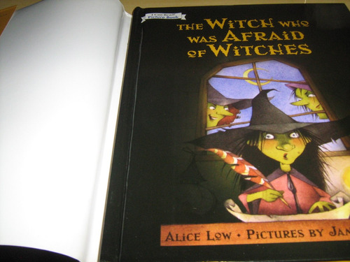the witch who was afraid of witches- seminovo
