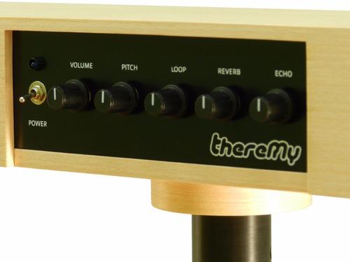 theremy - theremin com reverb e eco incorporados