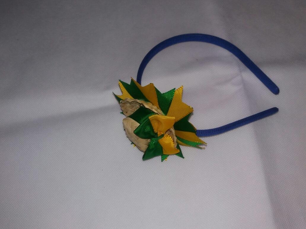 tiara com mini chapéu de palha festa caipira fitas e strass. Carregando  zoom. 91dc1041b97