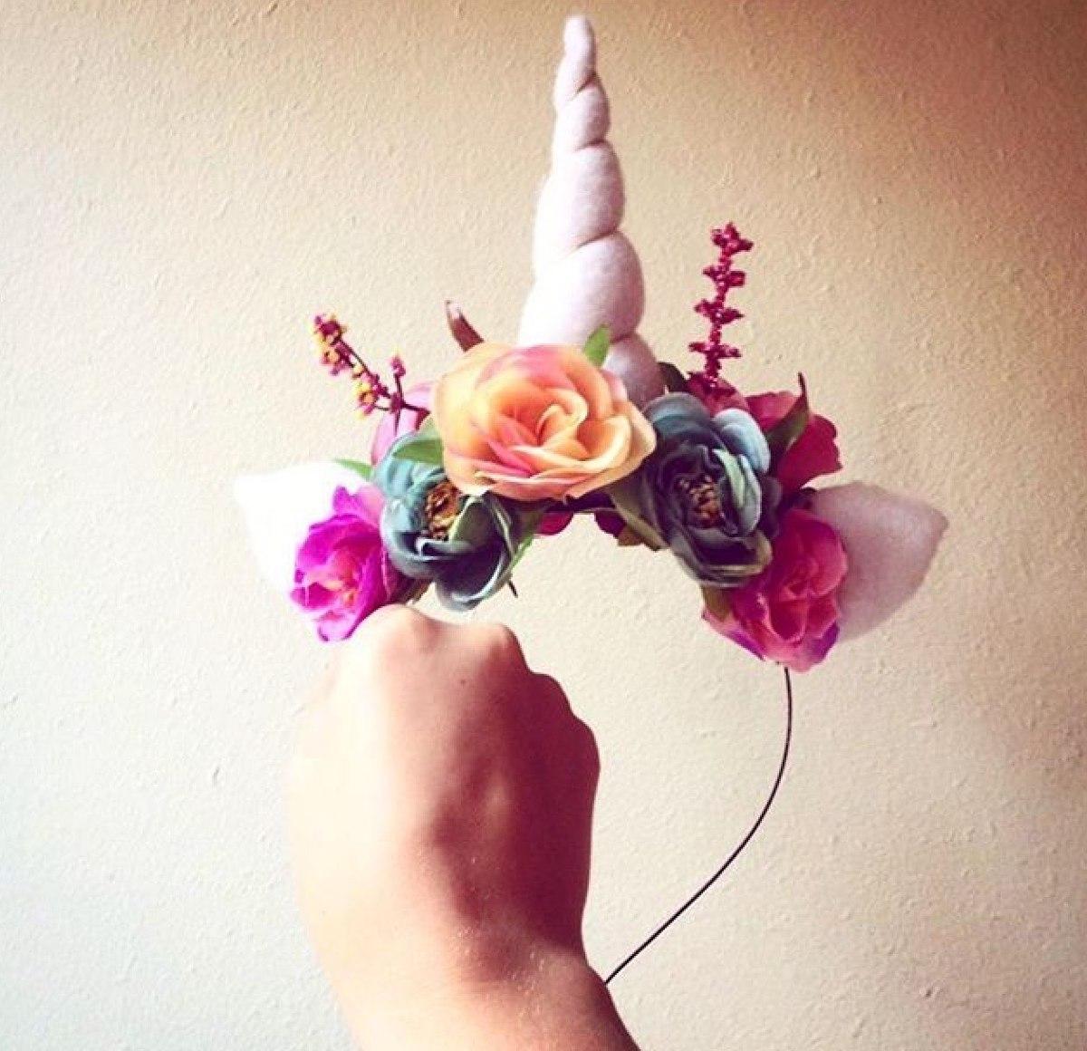 Aparador Vermelho Etna ~ Tiara De Unicórnio Com Orelhas E Flores Para Festivais R$ 50,00 em Mercado Livre