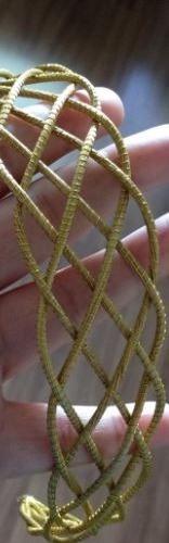 tiara em capim dourado