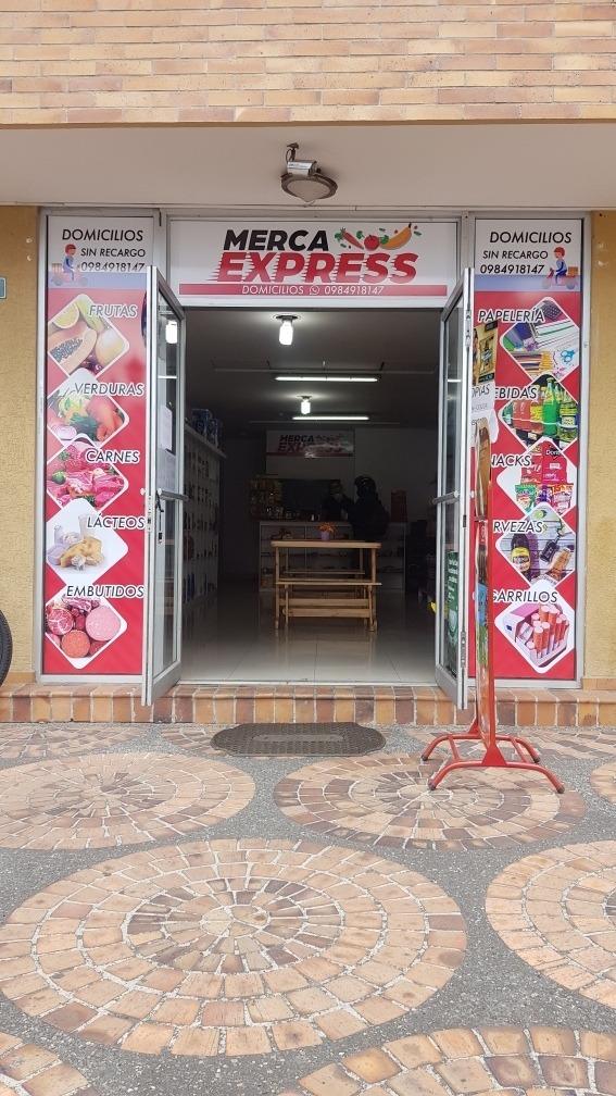 tienda comercial en venta