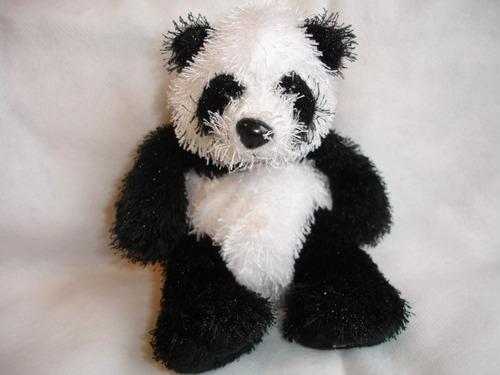tierno oso panda mide 16 cms aprox