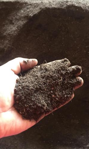 tierra negra, (composta artesanal 100% organica )