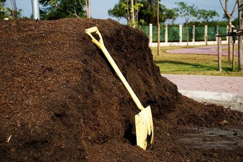 tierra - relleno tosca - negra de 1º calidad - de 8m3 zn