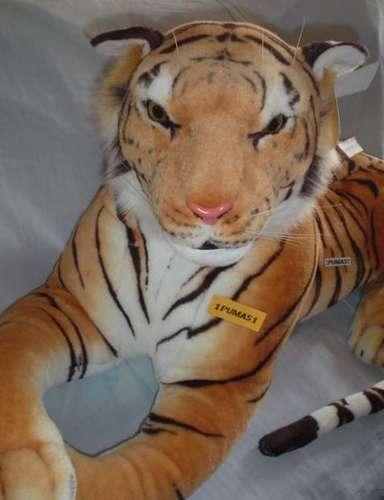 Tigre De Bengala Gigante Hermoso Casi Real