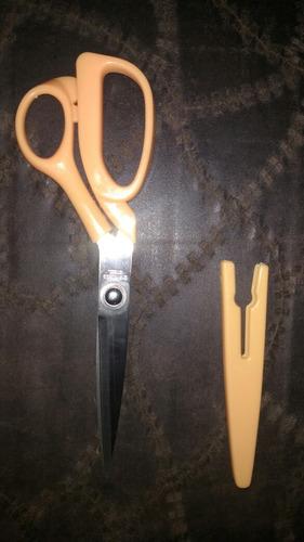 tijera de costura