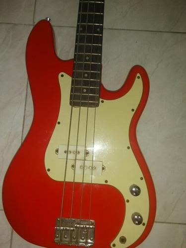 timbale y guitarra de bajo