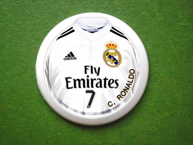 Time De Futebol De Botão Real Madrid (com Goleiro) - R  50 456df19b7f098