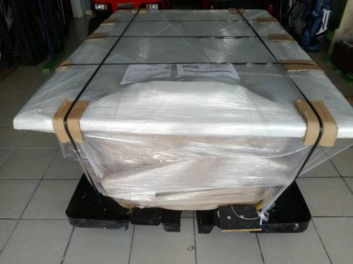 tina marca jacuzzi spa de 1.80x1.30x0.65 c/m 1.5 hp completa