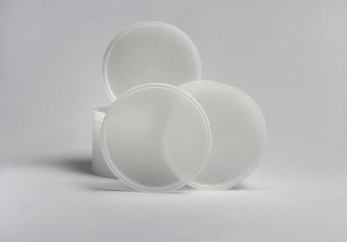 tinas plásticas con tapa selva 8oz. (10x25)