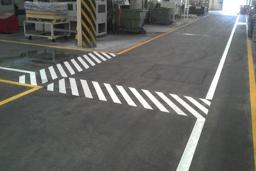 tinta demarcação industrial,galpão,asfalto amarelo segurança