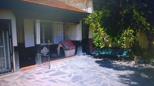 tipo casa 3 ambientes contra frente 2 patios lavadero ind
