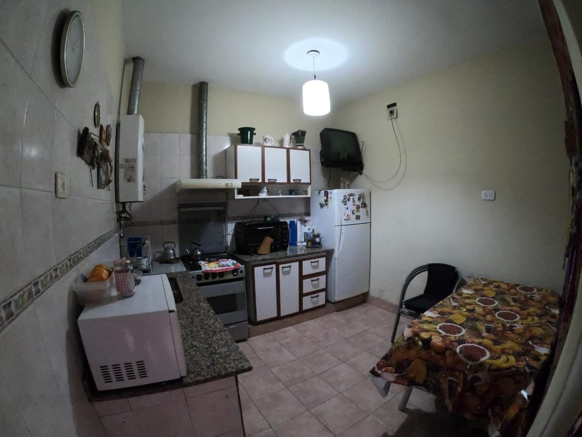 tipo casa 4 amb. baño cocina patio terraza c/parrilla