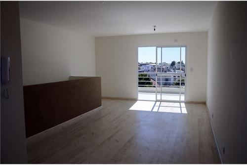 tipo duplex con balcón terraza!!! apto crédito