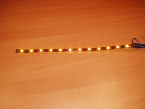 tira de12 led 5050 de color amarillo siliconada y autoadesi.