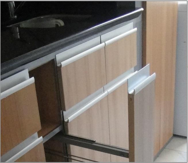 Tirador Perfil Aluminio Para Cocinas ( J ) - Bs. 2,10 en Mercado Libre