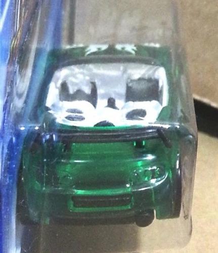 tk0c car hot wheels 1:64 2006 basic trak tune #143