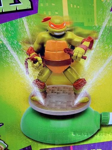 tmnt tortugas ninja - sprinkler miguel angel - agua / jardin