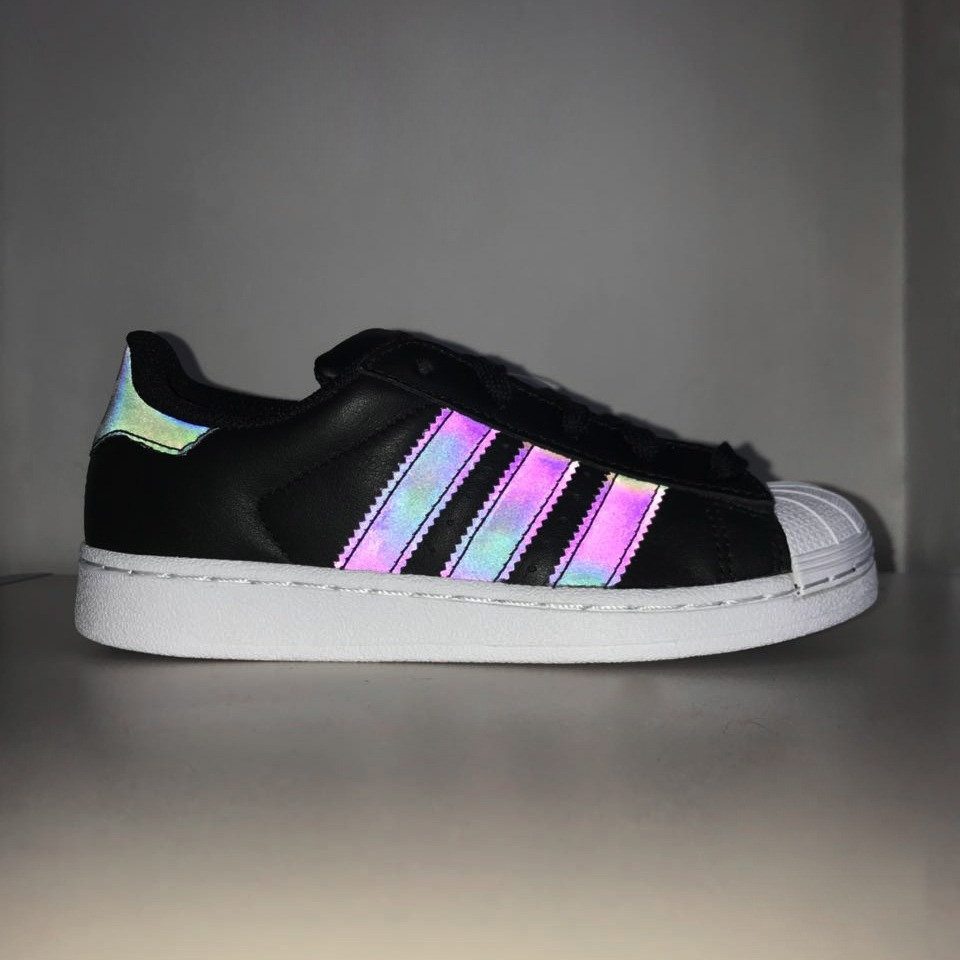 5c1554d0b142e tênis adidas infantil originals superstar refletivo cq2721. Carregando zoom.