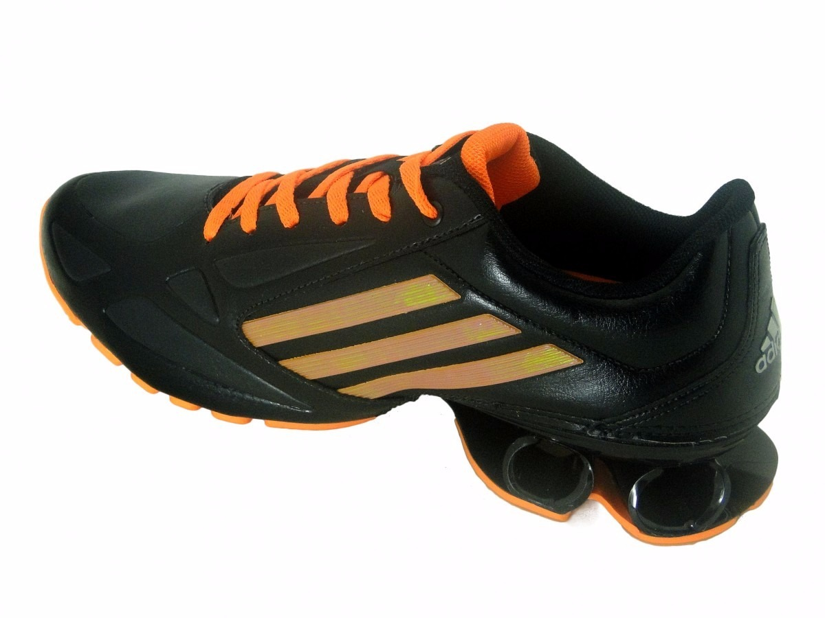 b82dc9ba0c1 Tênis adidas Cosmos - Masculino - R  200