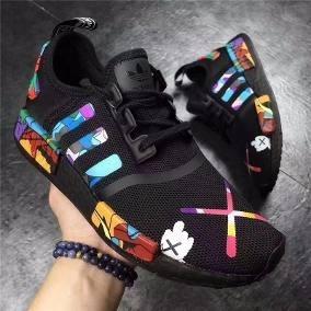 huge discount 9b2fb 3d498 Tênis adidas Nmd R1 X Kaws Custom Black Original Promoção