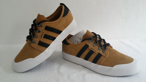 tênis adidas originals seeley outdoor. Carregando zoom. 7d719c911a738