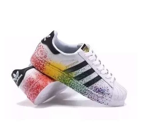 finest selection ac96b d7f35 Tênis adidas Pride Pack Superstar Respingo De Tinta Top