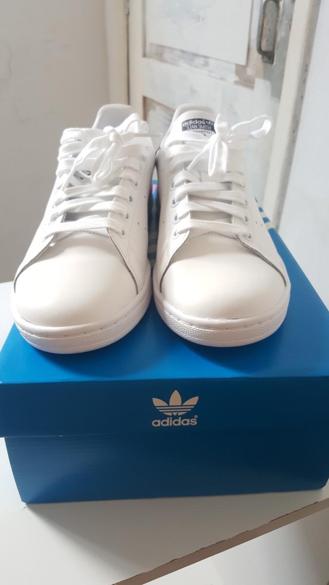tênis adidas stan smith tamanho 40 brinde 2 pares de meia. Carregando zoom. aa0380b5ae5b0