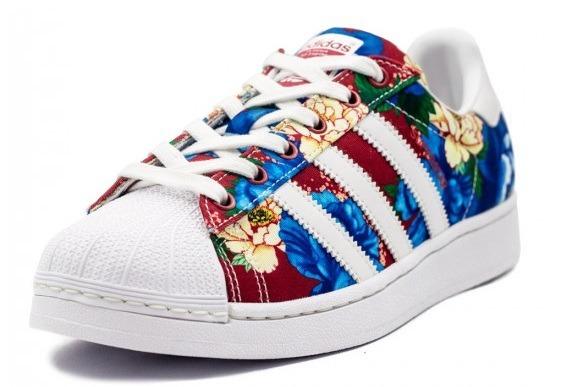 8f1b5b39f57 ... low cost sale c5702 tênis adidas superstar w farm floral chita original  72228 d9e17 0017c