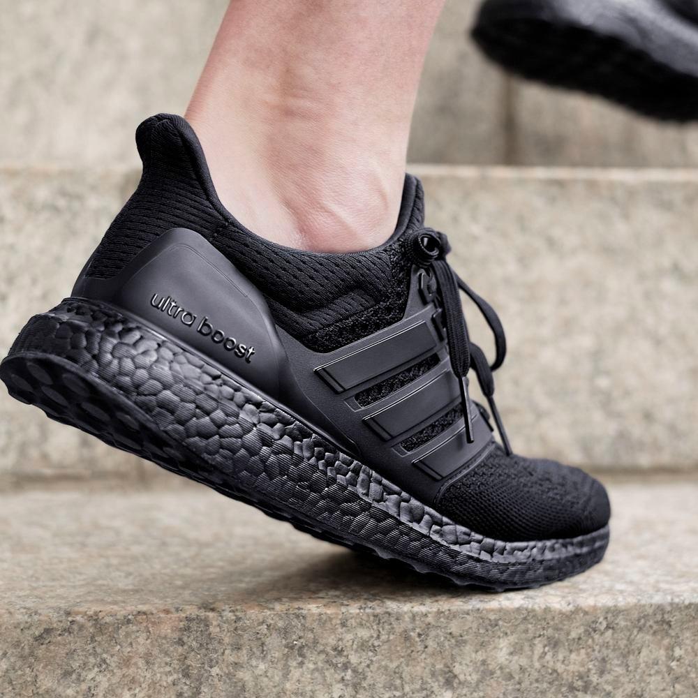 tênis adidas ultra boost preto nmd running boolt original. Carregando zoom. 2d837a1ee5be5