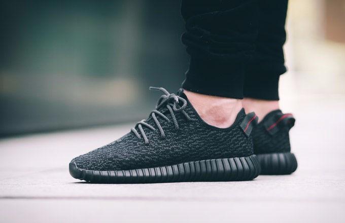 5a6595c997ce9 Tênis adidas Yeezy Boost 350 Kanye West Preto - R  620