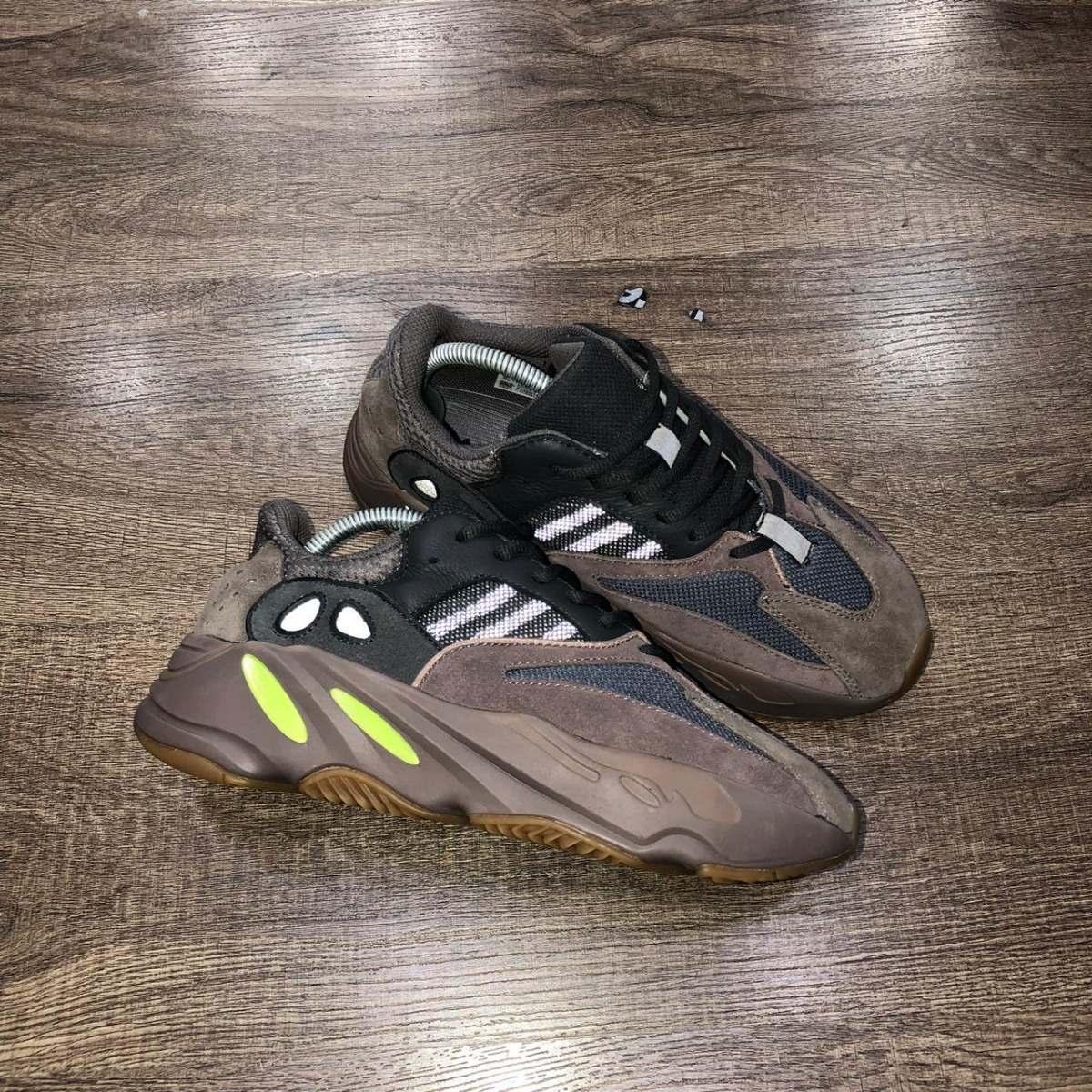 d515159afc17 Tênis adidas Yeezy Boost 700 Mauve - R  1.650