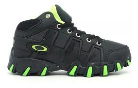 0cfe2b518d497f Botinha Oakley Infantil Preto Com Verde - Tênis com o Melhores ...