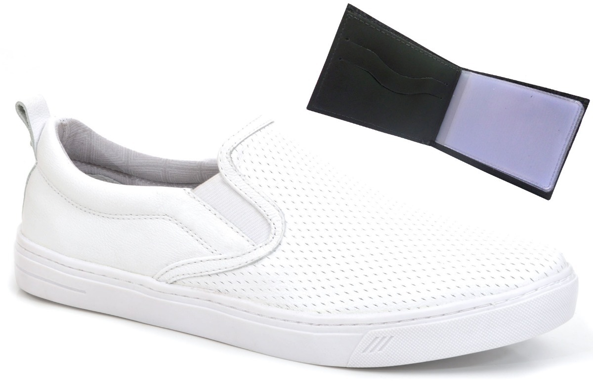 cc20e907e0 tênis casual masculino slip on em couro branco +carteira. Carregando zoom.
