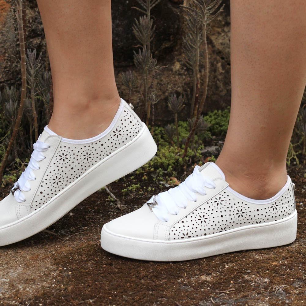 826e635024e tênis couro bottero branco delicado lindo. Carregando zoom.