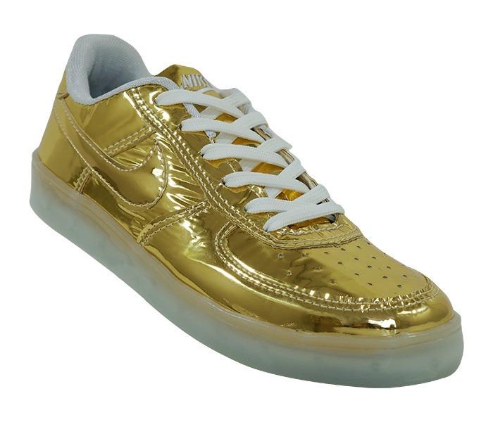 1265ae47243 Tênis De Led Nike Dourado - R  250