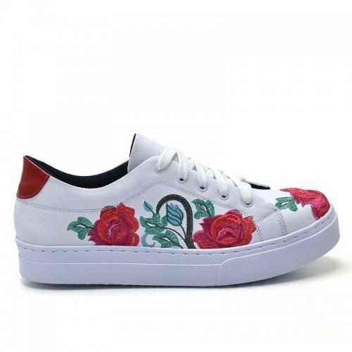 3731398c30 Tênis Feminino Casual Flores Branco E Vermelho Conforto Moda - R ...