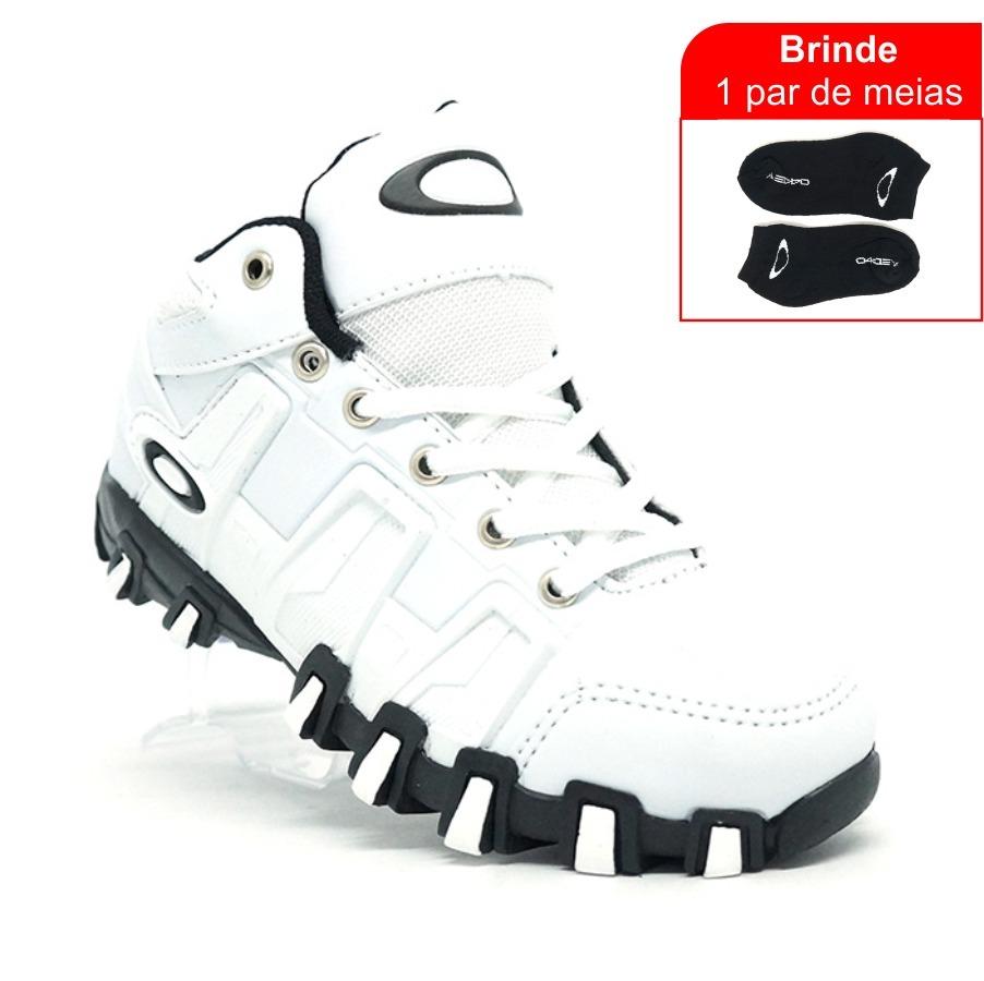 Características. Marca Oakley  Modelo Hard Shell  Gênero Masculino  Estilo  Dia a dia  Material do calçado Sintético  Tipo de calçado Tênis ccb73ad6146