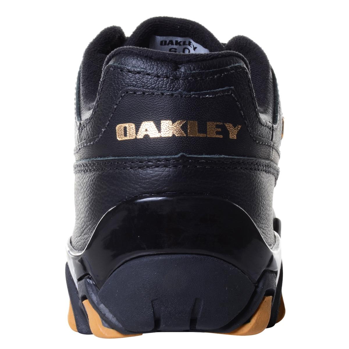 Tênis Masculino Oakley Teeth Square Preto dourado - R  399,90 em ... cae8603d9e