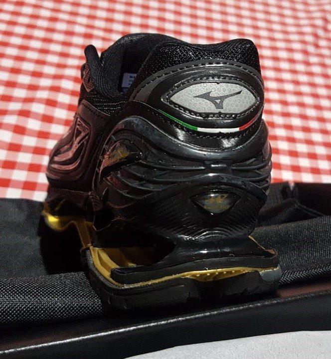 t�nis mizuno lamborghini wave tenjin 3 preto imagen