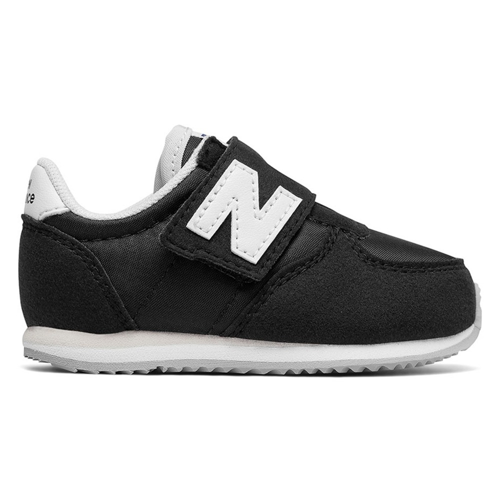 Tênis New Balance 220  8458be0f8f988