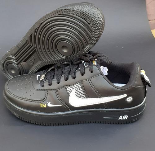 tênis nike air force casual ( grátis par de meias)