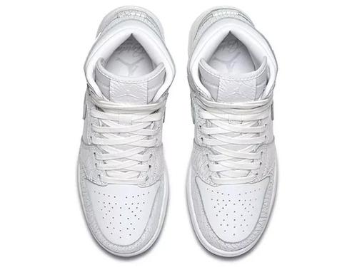 7514a753f4f Tênis Nike Air Jordan 1 Heiress Gs Pure Platinum