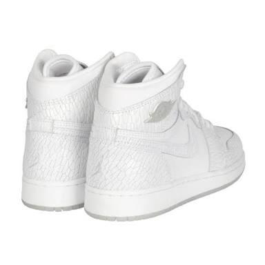 d9dca63f68b Tênis Nike Air Jordan 1 Retrô Hi Heiress Feminino - R  375