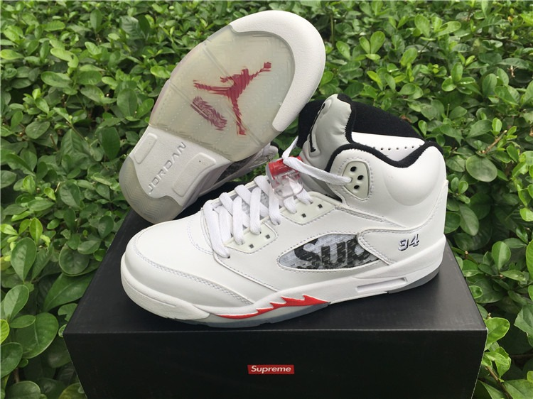 huge discount 7ddd8 c81c6 Tênis Nike Air Jordan 5 Retro Supreme White Original